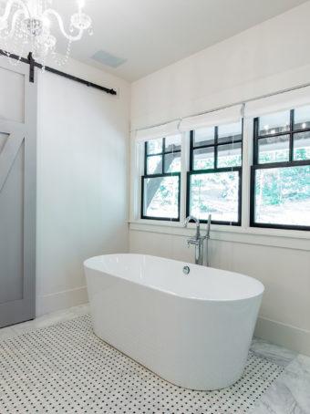 Custom Home Celmson Stoneyfishlodge Bathroom4