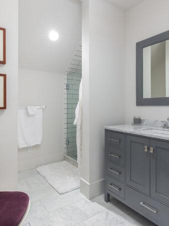 Custom Home Celmson Stoneyfishlodge Bathroom6