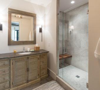 Custom Home Celmson Stoneyfishlodge Bathroom8
