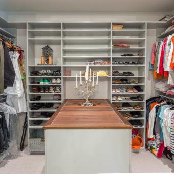 Custom Home Celmson Stoneyfishlodge Closet1