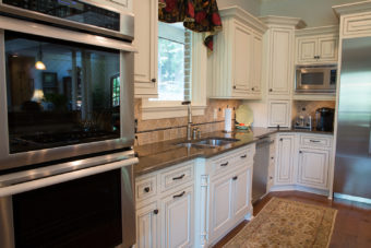 Custom Home Clemson Traditionallakehouse Kitchen3