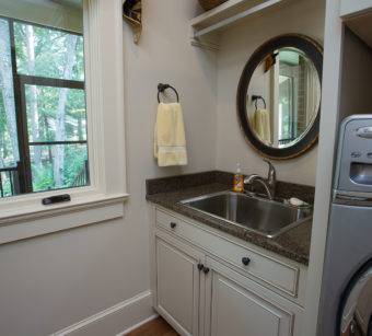 Custom Home Clemson Traditionallakehouse Laundryroom3