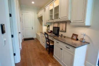 Custom Home Clemson Traditionallakehouse Laundryroom5