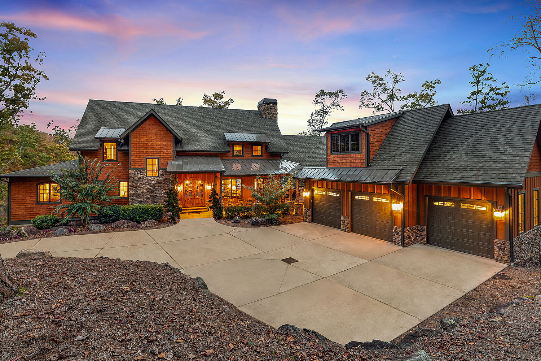 custom home hickory warpath lodge exterior