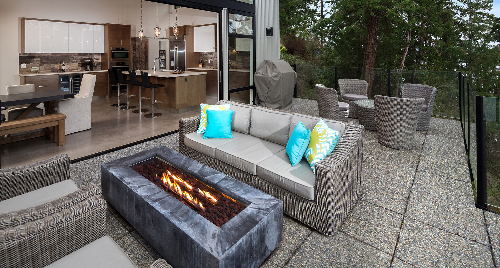 Outdoor Living Aurora Cliffhouse Slider