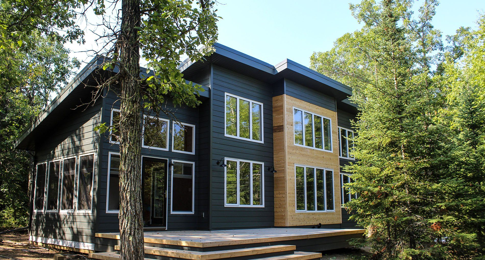 Custom Cottage Winnipeg Victoriabeach Slider1