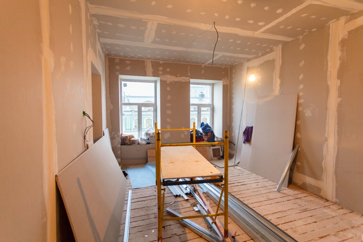 Renovate or Build a New Custom Home – Which is Better?