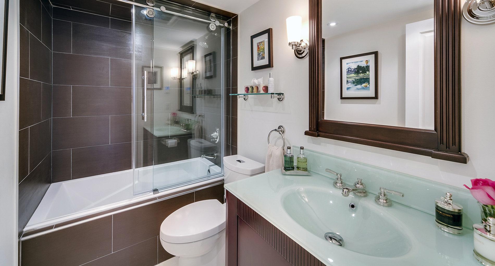 Bathroom Renovation Westtoronto 77carltonstreetcondo Slider
