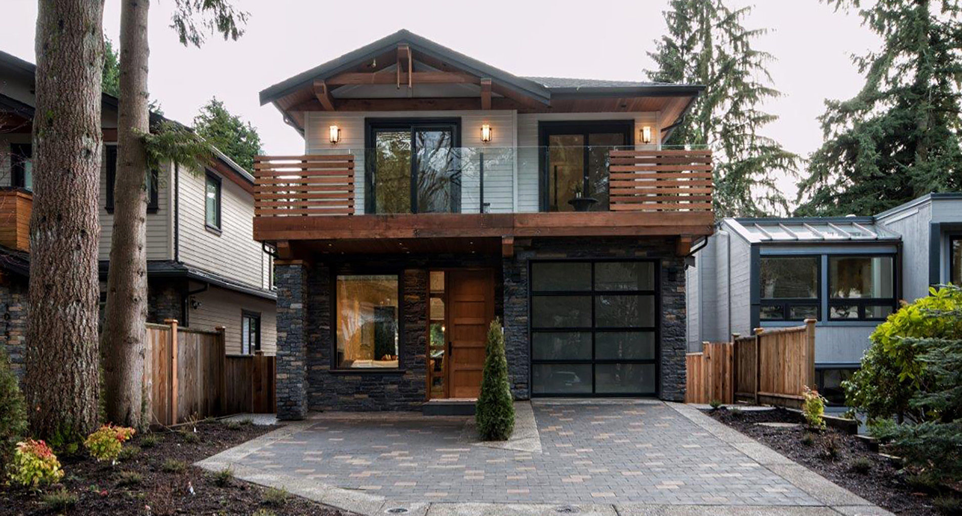 Custom Home Westnorthvan Canyonblvd Slider1