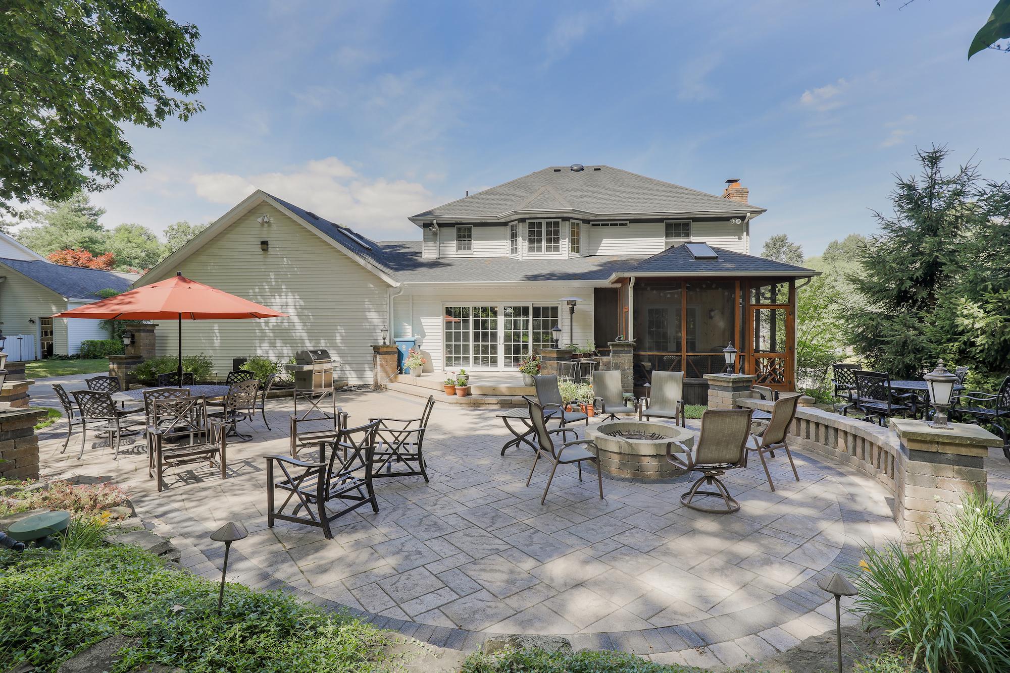 Custom Hudson Home Outdoor Living Space
