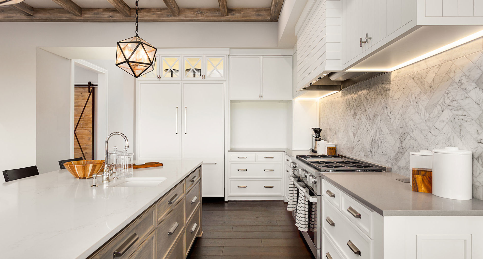 Learn How to Save Space from 100-Square-Foot Kitchens