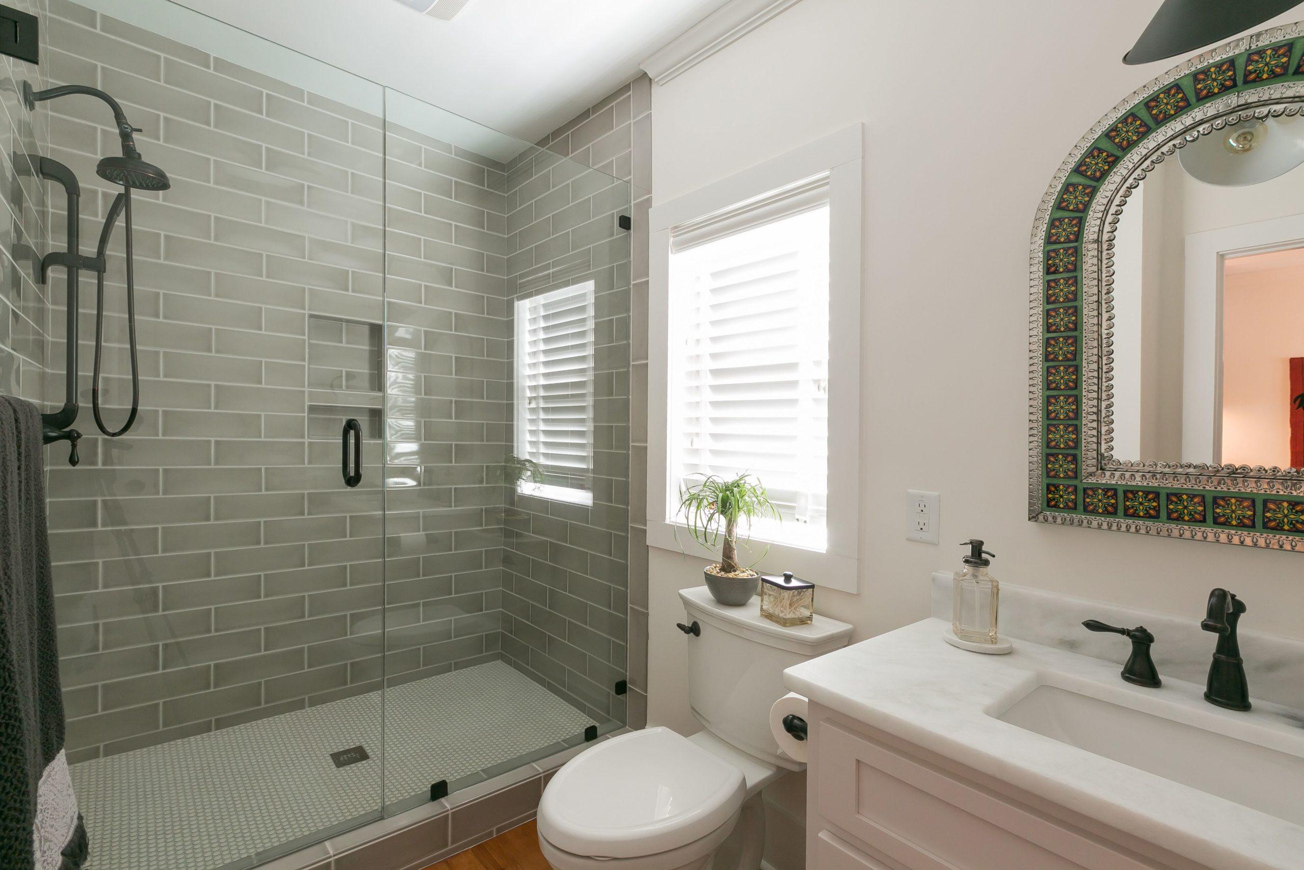 charleston-historic-home-bathroom