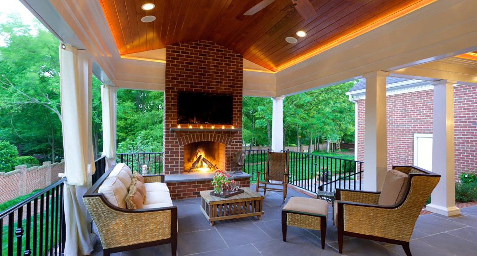 Outdoor Living Charlotte Shillington Slider