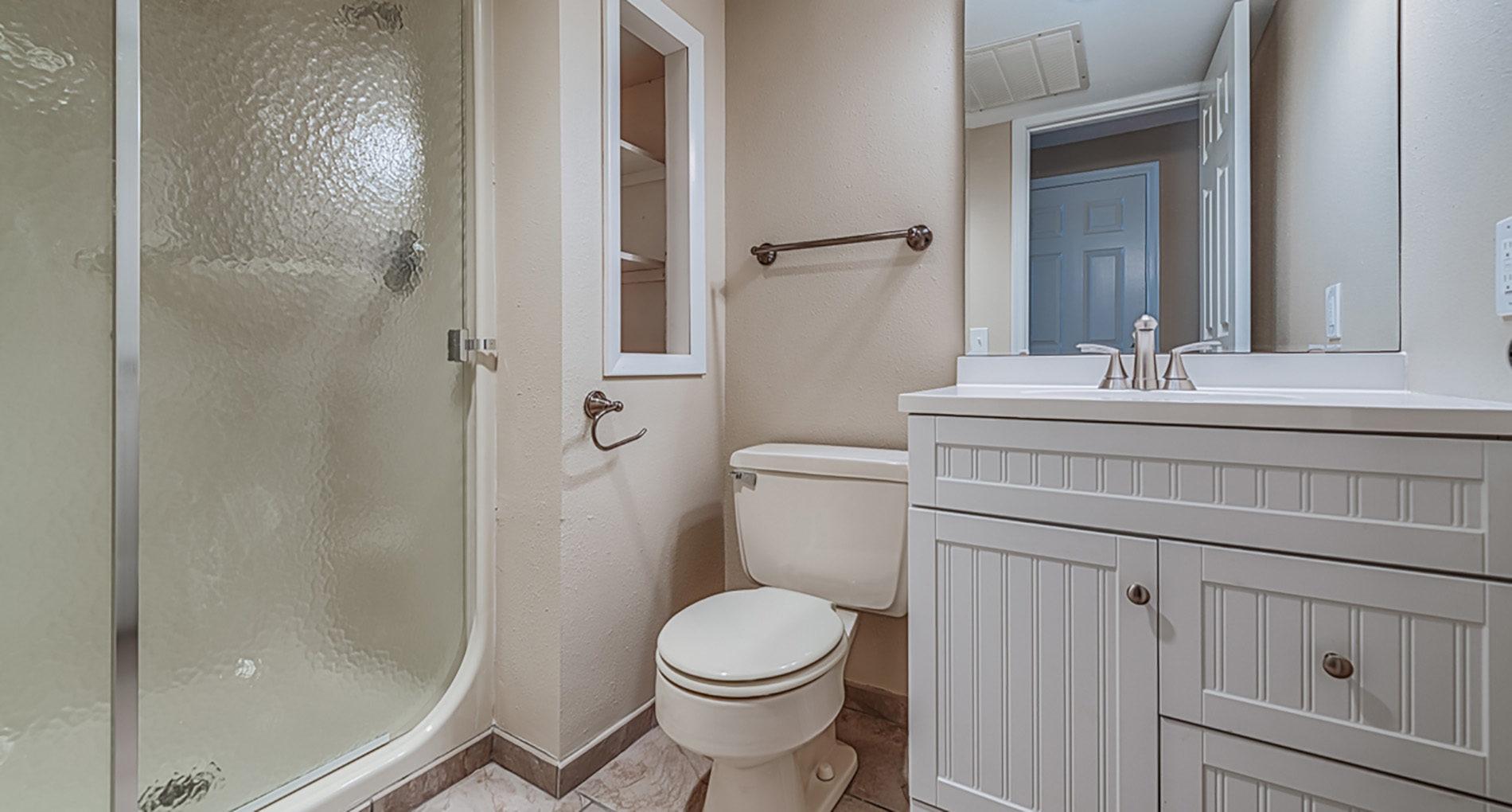 Huntercreek. Bathroom