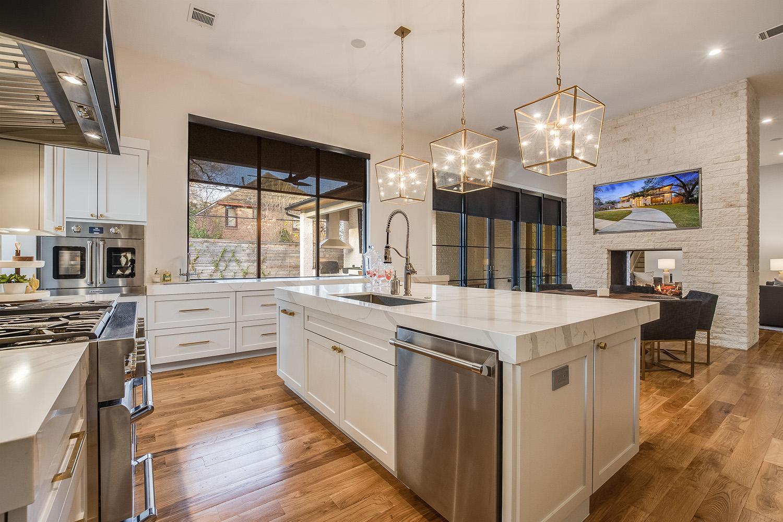 Custom Home Houston Glenhaven Kitchen7