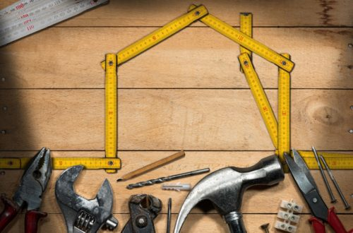 Is the Builder's Experience the Determining Factor for Hiring?