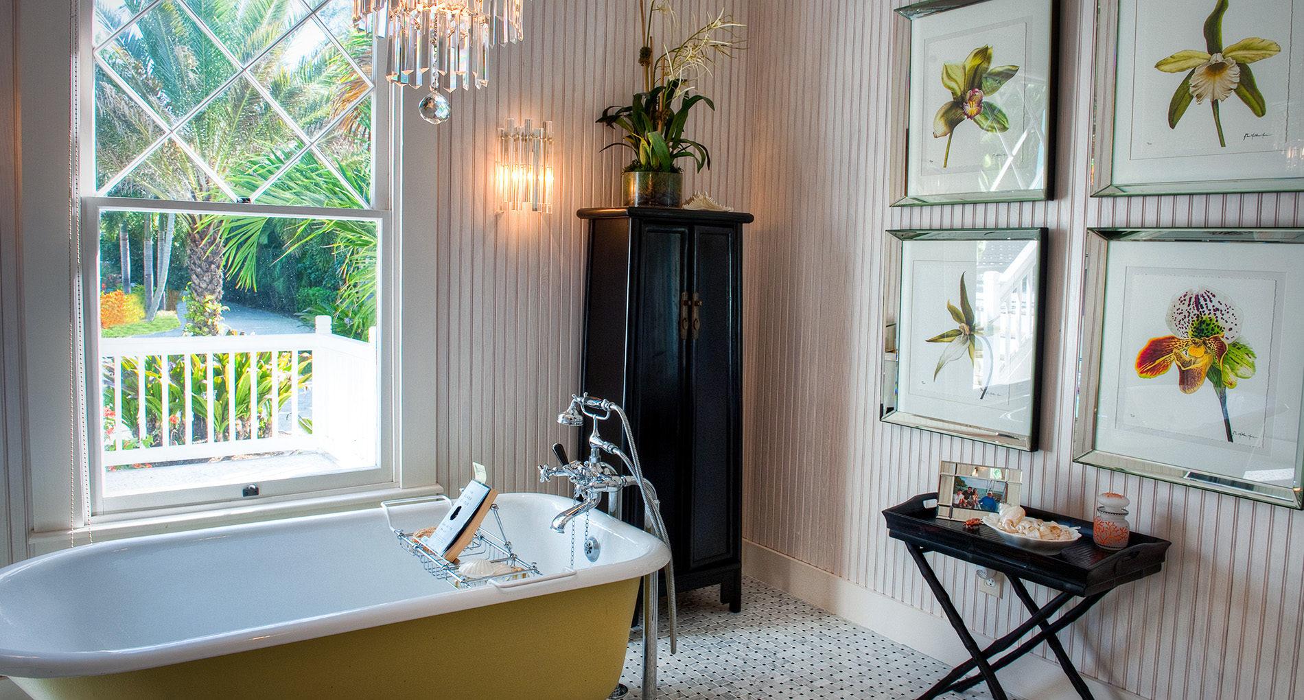 Captiva Bay. Bathroom