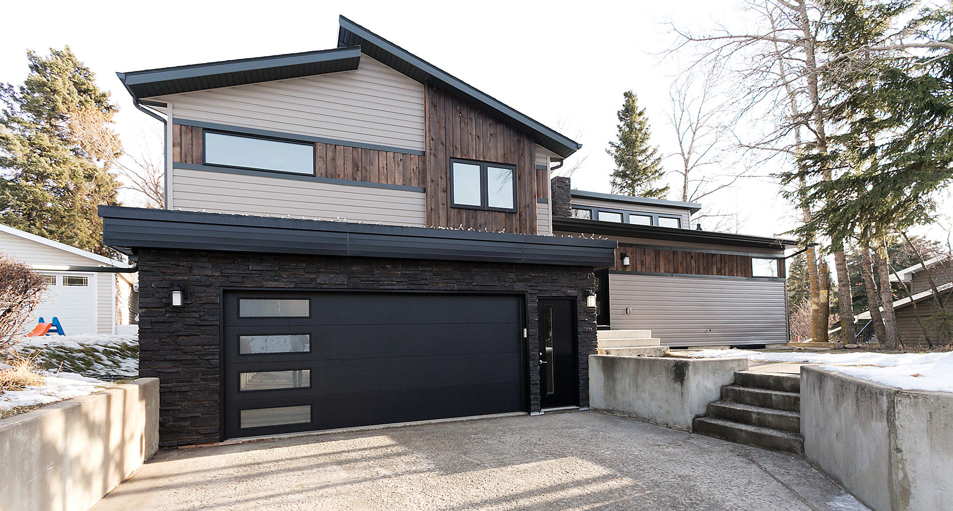 Custom Home Edmonton Piper Slider
