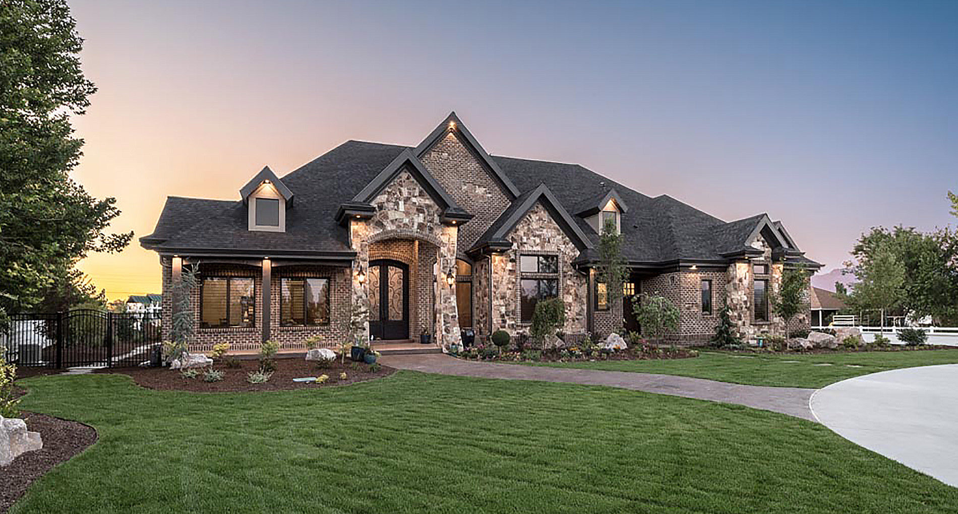 Custom Home Saltlake Stonehaven Slider1jpg